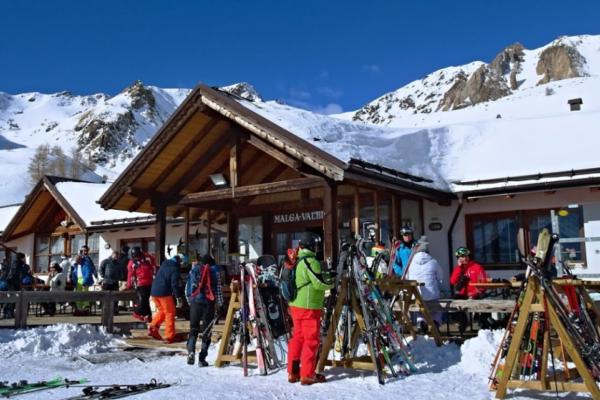 SnowBar Ristorante Malga Valbiolo